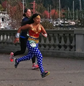 Wonder Woman ramps up to a sprint finish like the hero she is! (Jenni Sheppard)